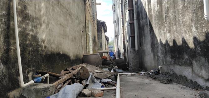房屋巷道排水管