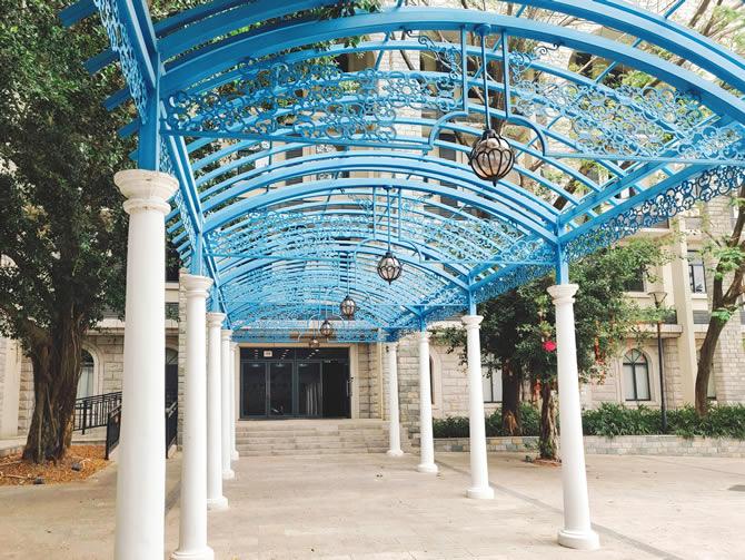 钢结构喷漆拱顶